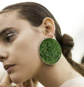 round SILVER EARRINGS with green moss